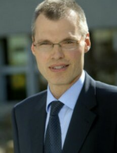 Gunnar Muent Director of the Innovation and Competitiveness Department European Investment Bank (EIB)
